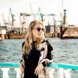 Comfort Zone - Blogger Adventskalender #5 - Sätila of Sweden - Comfort Zone Mein Style, Comfort Zone, Storytelling, Sweden, Wayfarer, Sunglasses Women, Ray Bans, Magazine, Style Inspiration