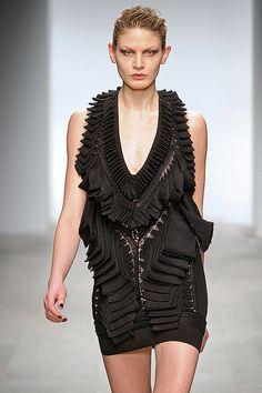Mark Fast| knitwear | knit | high fashion | runway | catwalk