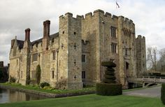 Hever Castle was a C13 country house converted in 1462 into a manor by Geoffrey Boleyn, who held the post of Lord Mayor of the City of London.