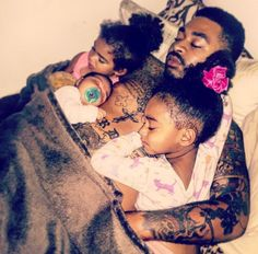 All I want in life 😍😍 Black Dad, Black Fathers, Fathers Love, Cute Family, Baby Family, Family Kids, Family Matters, Family Goals, Daddy Daughter