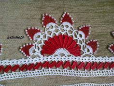 boncuklu havlu kenarı - aylinhobi - Blogcu.com Tree Skirts, Fingerless Gloves, Crochet Hats, Christmas Tree, Holiday Decor, Asdf, Videos, Crochet Sunflower, Craft