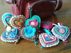Great way to make your bag a little less boring. http://lolaestrella.hubpages.com/hub/8-Crochet-Projects-for-Beginners