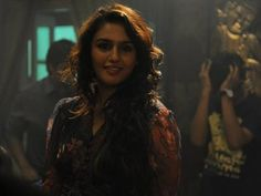 Huma Qureshi, who rose to fame with her performance in Gangs of Wasseypur, is all set to make her TV debut with Ekta Kapoor's show Ek Thhi Naayka. Cheap Concert Tickets, Huma Qureshi, Latest Horror Movies, Desktop, Movie Wallpapers, Wallpaper Free Download, Good Music, Jon Snow, Hd Wallpaper