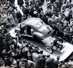 4-cv---Salon-de-Paris-Oct-1953-004.jpg (599×566)