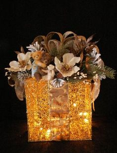 ELEGANT CHRISTMAS AND SPECIAL OCCASION DECORATIONS. Whats not to love about such presents.