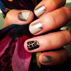 Got to love a little neutral sparkle & leopard accent nail! Jamberry manicure in champagne toast and gilded leopard
