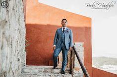 Outfit del novio para boda en playa, traje de novio.Vestimenta para boda en playa. Bodas Huatulco #BodasHuatulco #beachwedding #bodaenplaya #trajedenovio #beachweddingsuit #vestimentabodaenplaya