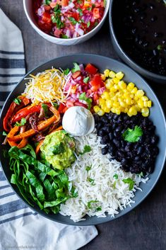 Vegetarian Burrito Bowls are easy to make, healthy chipotle style bowls loaded with rice, black beans, pico de gallo, fajita veggies , corn, lettuce and cheese. Serve with side of guacamole and sour-cream and enjoy a delicious wholesome meal! Vegan, gluten-free and meal-prep friendly!! #mexican #burritobowl #instantpot #healthy #chipotle Vegetarian Burrito, Vegan Burrito Bowls, Veggie Burrito, Vegetarian Mexican, Vegetarian Recipes Dinner, Mexican Food Recipes, Healthy Recipes, Vegetarian Bowl, Vegetarian Fajitas