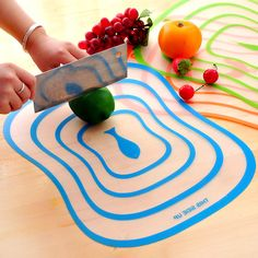 PVC chopping boards are convenient to use. Save space, easy to wash and dry and does not accumulate bacteria and dirt like conventional wooden chopping boards.