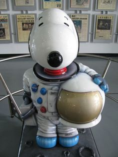 Snoopy astronaut.