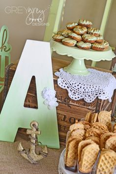 Mint & Gold Baby Shower - this letter is from @HobbyLobby and was spray-painted an #ombre treatment. Love the look! #DIY #babyshower
