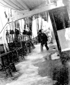 wet deck on the Polly woodside Ship Mast, Nautical Pictures, Merchant Navy, Naval History, Old Port, Seafarer, Tall Ships, Old Photos, Sailing Ships