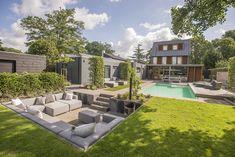 Backyard Pool Designs, Small Backyard Design, Small Backyard Pools, Fire Pit Backyard, Backyard Ideas, Backyard Seating, Garden Seating, Outdoor Pergola, Modern Landscaping