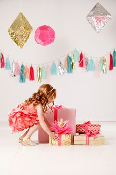 Photography: Ashlee Raubach Read More: http://www.stylemepretty.com/living/2014/03/13/confetti-systems-family-shoot-get-the-look/