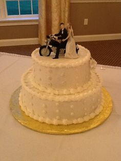 Simple and sweet! Cake by the Sand Springs pastry chef.
