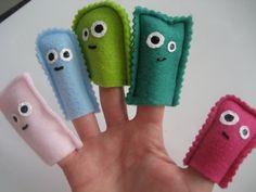 Des petites marionnettes à doigts, parfait pour se créer des petits histoires dans l'auto, dans le bain, au lit!