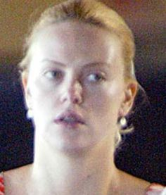 A Ginormous Gallery of Celebrities Without Makeup, MAKE UP, Celebrities without Makeup Charlize Theron. Celebrity Gallery, Celebrity Look, Celebrity Pictures, Beautiful Mask, Beautiful Women, Actress Without Makeup, Farrah Fawcett, Hair Painting, Charlize Theron