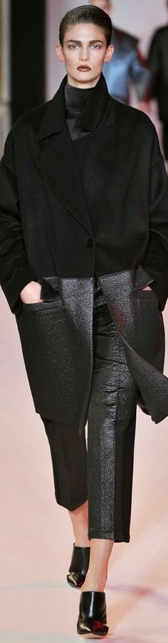 Hakaan Fall 2012 Ready-to-Wear