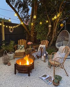 Wood Fire Pit, Fire Pit Area, Fire Pit Gravel Area, Fire Pit Seating, Diy Fire Pit, Backyard Patio Designs, Deck Patio, Firepit Deck, Modern Backyard