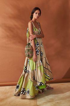 Boho Fashion, Womens Fashion, Floral Print Maxi Dress, Boho Dress, Types Of Fashion Styles, Dress Brands, Mantel, Summer Dresses, Beach Dresses