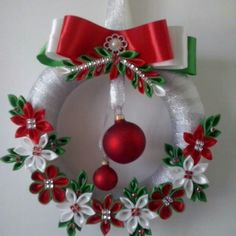New crochet christmas wreath diy projects Ideas Crochet Christmas Wreath, Quilling Christmas, Holiday Wreaths, Christmas Decorations, Ribbon Crafts, Wreath Crafts, Christmas Projects, Holiday Crafts, Tree Crafts