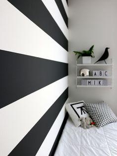 Trendy Bedroom Paint Designs Stripes Black And White Ideas Bedroom Wallpaper Black And White, White Bedroom, White Wall Paint, White Walls, Bedroom Paint Design, Bedroom Decor, Annie Sloan Chalk Paint Graphite, Discount Bedroom Furniture, Bathroom Furniture