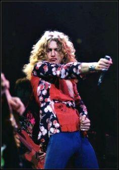 Robert Plant in action.