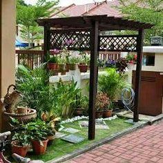 Mini garden at side terrace