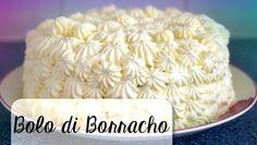 Zoals bij veel Antilliaanse taarten zit in deze 'bolo di borracho' een behoorlijke hoeveelheid drank. Om die reden is de taart lang houdbaar, zelfs buiten de koelkast. Deze dronkenmanstaart is van oorsprong Arubaans.  INGREDIËNTEN: 1 bolo di manteka 100ml rum (het liefst witte) 500ml slagroom 1 eetlepel poedersuiker 500ml melk 35gr suiker 35gr custardpoeder … Carribean Food, Caribbean Recipes, Sweet Recipes, Cake Recipes, Types Of Cakes, Exotic Food, Cakes And More, Vanilla Cake, Cupcake Cakes