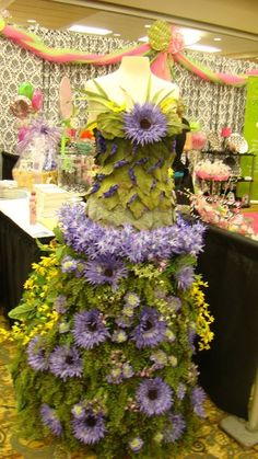 This is  wedding dress made of flowers and moss created by my friend Beverly Edwards for the Patti's 1880's Settlement 2012 Bridal Expo Booth. She is the Wedding Planner at Patti's and she is AMAZING!!