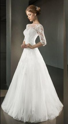 Vintage Mezza maniche lungo Svasato/principessa Avorio Tulle Abito da sposa