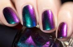 Teal to Red Ultra Chrome Nail Polish Chrome Nail Polish, Chrome Nails, Nail Polish Colors, Purple Nail Designs, Nail Art Designs, Love Nails, Pretty Nails, Dream Nails, Holographic Nails