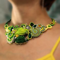 Soutache shibori necklace. Cocktail party Soutache Jewelry. Bright green necklace. Bead embroidery necklace.