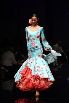 Traje de Flamenca - Miriam-Galvin - Simof-2016 Flamenco Dancers, Flamenco Dresses, Arty Fashion, Spanish Fashion, Mini Club Dresses, Black African American, Indian Dresses, Evening Dresses, Dress Up