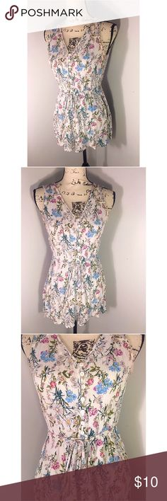 🌺🌺 Floral H&M Romper 🌺🌺 Beautiful like new floral H&M romper. This piece buttons up the middle. Perfect for spring and summer🌺 Size 10. Fits like a medium.  Make this ☝🏾️treasure yours today ☺️. Don't be scared  to make an offer, you never know unless you try. Bundle multiple items for the best savings. Pay one low price  shipping 🎁! Thanks for  into my closet  😘 H&M Pants Jumpsuits & Rompers
