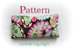 This listing is for the PATTERN to make your very own diaper clutch. Nothing will be physically mailed to you. PDF Pattern will be available for download once payment clears. Step by step instruction, with many pictures, to make your very own Diaper Clutch - no templates needed! 2