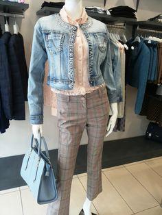 Sarah Chole nuovi arrivi .#swagstoretimodellalavita #originalswagstore #swagstore #sarahchole #everis #abbigliamento #clothing #donna #borse #bags #swag #italy #italia #love #fashion #selfie #business #news #follow #images #sales #collection #fashionweek #fashionaddict #fashiondaily #colorful #style #vogue #moda #stile #madeinitaly #totallook #original #cool #unique #woman #glam #glamour #beautiful .