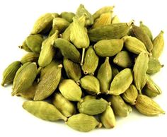 Green Cardamom Pods have a strong, flowery, eucalyptus type flavor. Try grinding cardamom pods with your coffee for a subtle, refreshing floral flavor. Shop Green Cardamom Pods at Savory Spice! Chai, Cardamom Plant, Types Of Eucalyptus, Banana Contains, Turmeric Curcumin, Eating Raw, Healthy Eating, Essential Fatty Acids, Root Vegetables