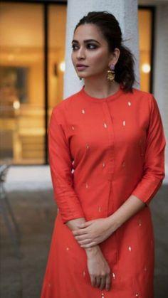 Super Dress Pattern Indian Kurti Ideas is part of Kurti - Salwar Pattern, Kurta Patterns, Designer Kurtis Patterns, Dress Patterns, Designer Dresses, Kurti Sleeves Design, Kurta Neck Design, Churidar Designs, Kurta Designs Women