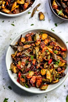 Smoky Cajun Baked Okra with Crispy Bacon - high heat is the key to cooking this okra so it's tender, charred, and slightly crispy without a hint of sliminess! Okra Recipes, Cajun Recipes, Cooking Recipes, Healthy Recipes, Haitian Recipes, Vegetarian Cooking, Easy Cooking, Recipies, Side Dish Recipes