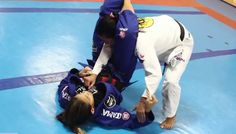Brand New video from BJJhacks.com shows black belt champions Leticia Ribeiro and Beatriz Mesquita drilling to develop speed, flexibility and technique.