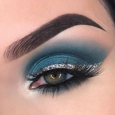 Make Up - Teal Color Eyes Makeup # Eye Makeup # MakeupFor Blue Eyes Looking for . - Make Up - Eye Makeup Teal Eye Makeup, Teal Eyeshadow, Eye Makeup Tips, Glitter Makeup, Eyeshadow Looks, Makeup Goals, Beauty Makeup, Makeup Ideas, Makeup Quiz