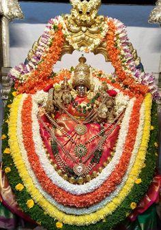 Chamundeshwari Kali Shiva, Shiva Shakti, Tara Goddess, Hanuman Images, Vader Star Wars, Hindu Deities, Indian Gods, Durga, African American History
