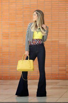 colorido cool    por Luiza Maria | Fala se de       - http://modatrade.com.br/colorido-cool #Flares #Wideleg #Bootcut #Pant #Jeans #Girls #Styled #Fashion