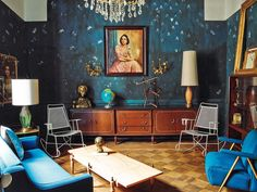 Eclectic living room by Dirk Jan Kinnet. Photo:  Pablo Zamora för AD España