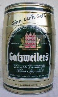 Cerveja Gatzweiler, estilo Altbier, produzida por Gatz, Alemanha. 4.8% ABV de álcool.