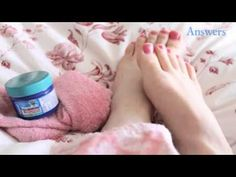 She Puts VapoRub On A Cotton Ball And Sticks It In Her Ear… Moments Later? INCREDIBLE! | Healthy Diet 24