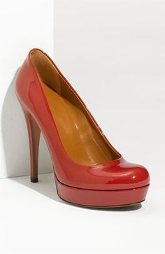 Perfect red pump