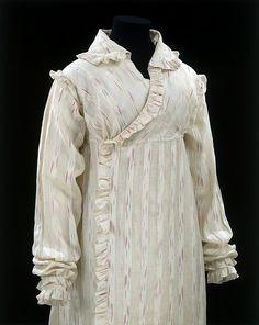 1812-1814 British Muslin Peignoir - Victoria and Albert Museum