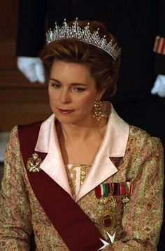 Queen Noor, Queen consort of King Hussein, wearing the Fringe Tiara (new form), Jordan (diamonds).